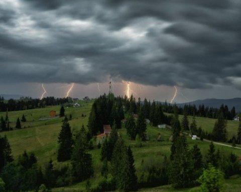 На Запад Украины придут небывалые дожди и грозы