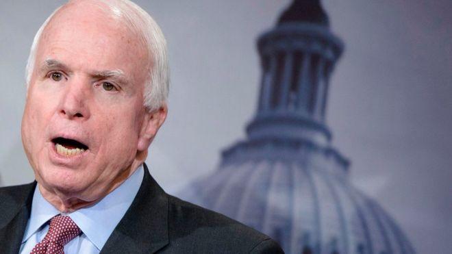 Hill: Маккейн с другом призвали Трампа защитить Америку антироссийскими санкциями