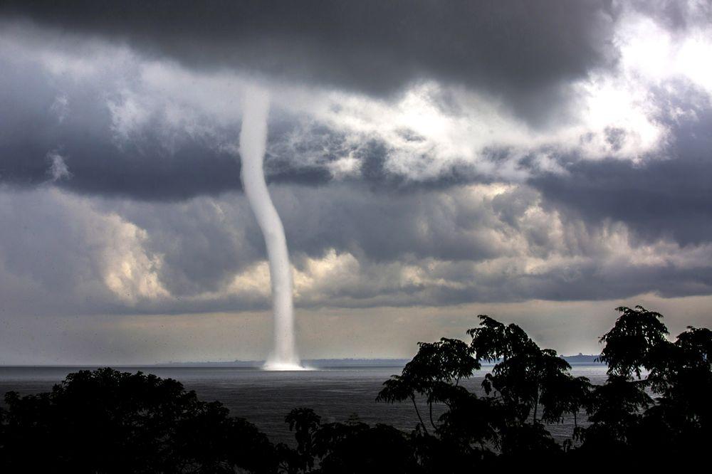 Найстрашніші катастрофи на планеті показали на відео