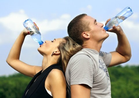 Що відбудеться з тілом, якщо щодня випивати три літри води