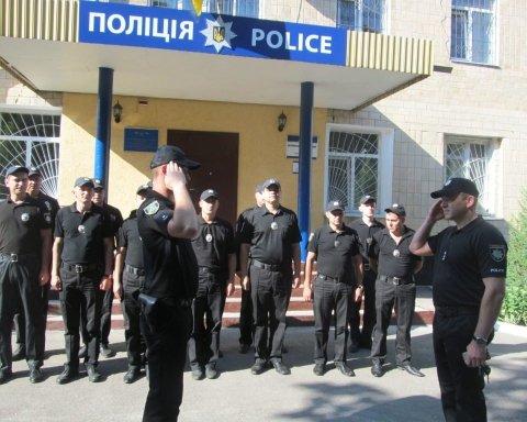 На Сумщині правоохоронці вважають хуліганством жбурляння вибухівки у відділок поліції