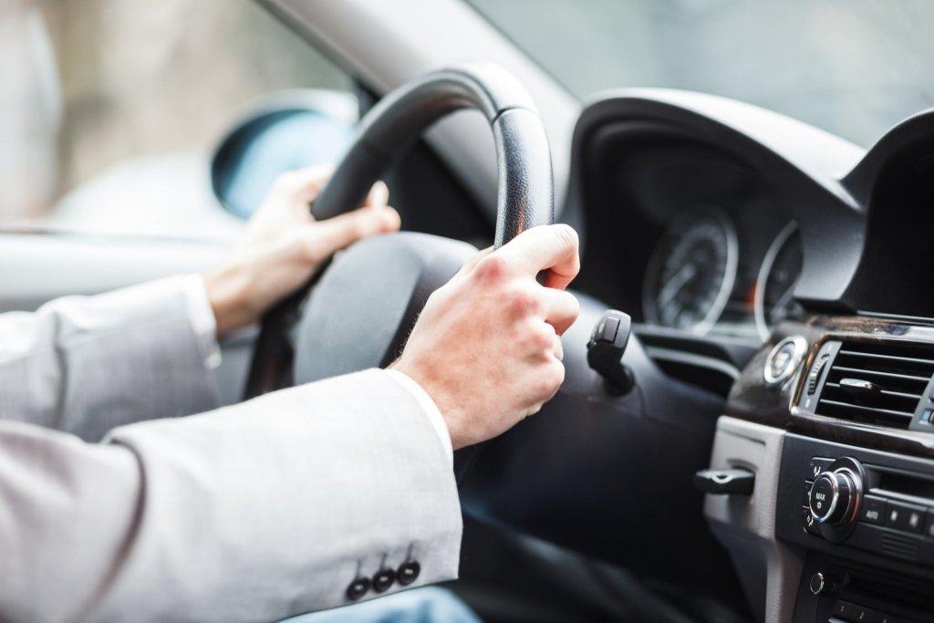 Нововведение для автомобилистов: новый скоростной режим и причины для остановки