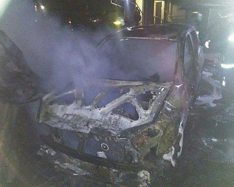 В Николаеве сожгли автомобиль известного антикоррупционера