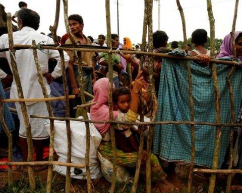 Десятки тысяч мусульман бежали из Мьянмы — ООН