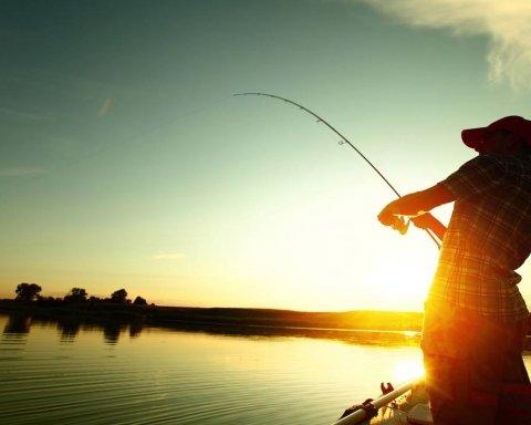 Естонець впіймав рибу розміром з людину (фото)