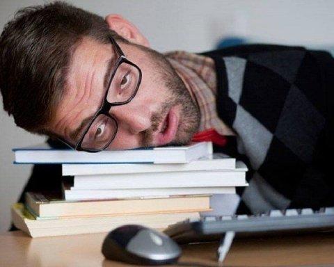 Хроническое недосыпание: психологи назвали главную пользу