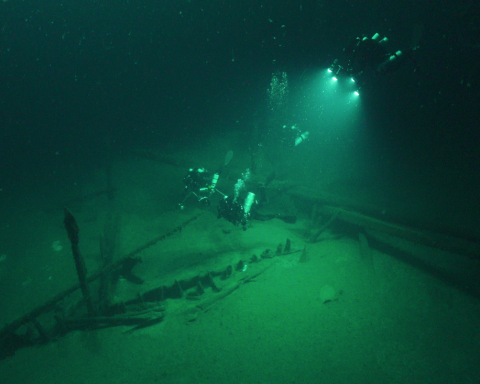 На дне Черного моря нашли 60 затонувших кораблей (фото)