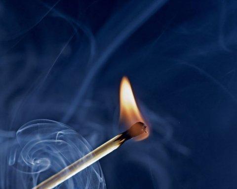 На Луганщині контрабандист намагався спалити живцем працівників СБУ