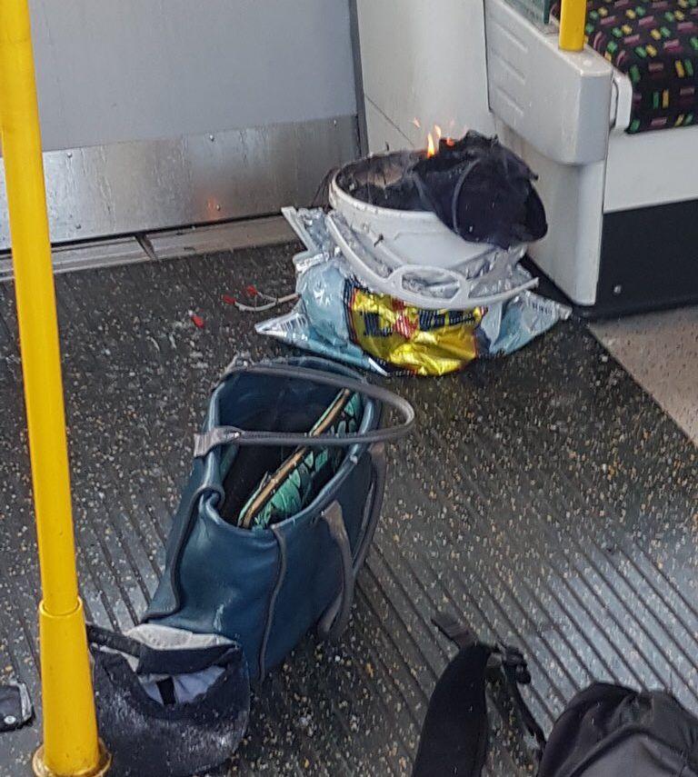 Впоезде английского метро произошел взрыв, есть пострадавшие