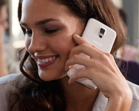 Шість ознак того, що вашим телефоном користується ще хтось