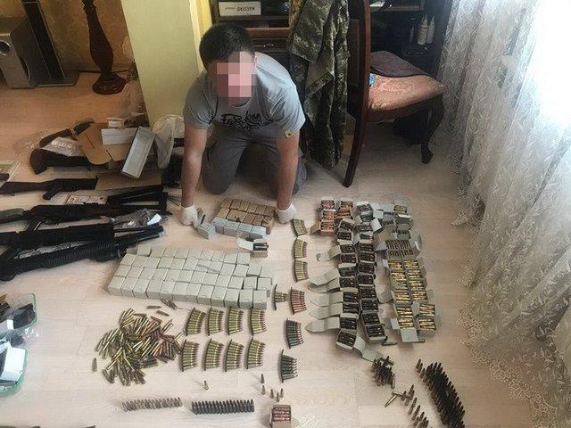ВКиеве «накрыли» подпольный веб-магазин оружия иззоны АТО