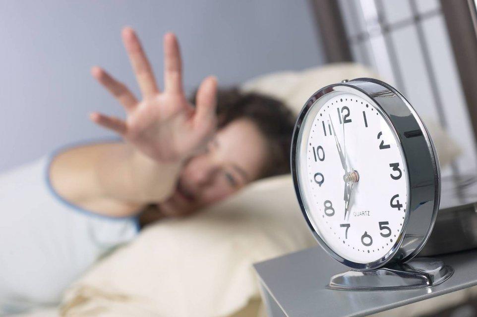 """Перехід на """"зимовий час"""": медики назвали спосіб зменшити стрес для організму"""