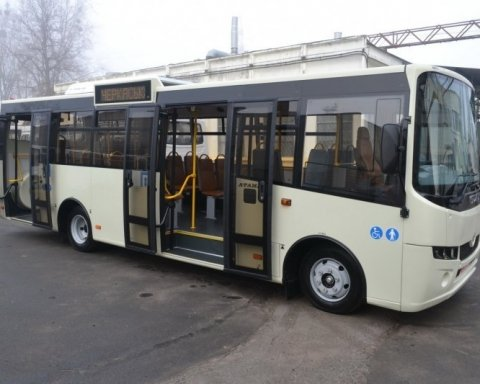 На рекордные 55 миллионов накупили автобусов для Нацполиции