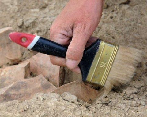 Археология: В Египте нашли нетронутую гробницу