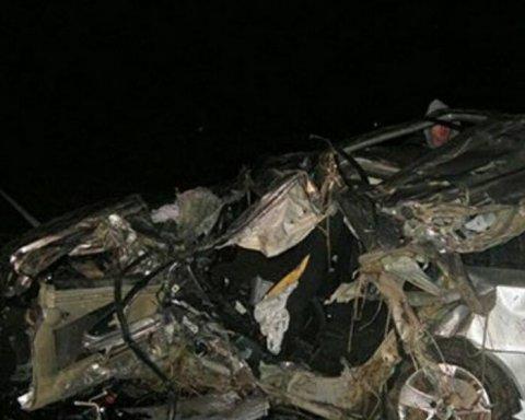 Страшна ДТП на Прикарпатті: троє людей загинуло, ще троє – у лікарні