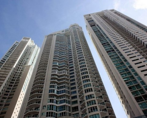 Стоимость вторичного жилья продолжает снижаться в столице