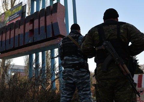 Українські військові розповіли, чому не просуваються до Донецька (відео)