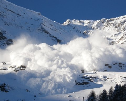 лавина, гори, альпінізм