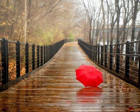 Готовьте зонтики: сегодня Украину зальет дождями