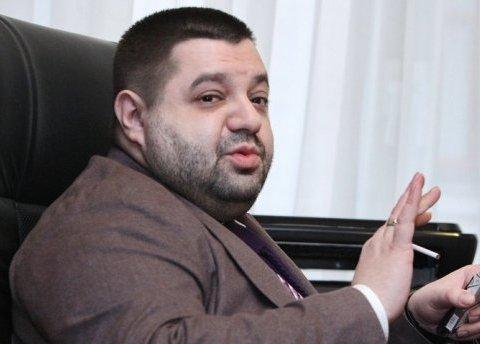 Біля Кабміну викрали машину Грановського, зникли документи і ноутбук