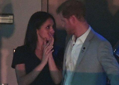 Як принц Гаррі Меган Маркл цілував: зворушливі фото