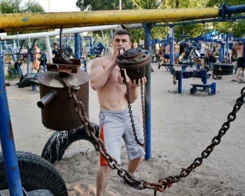 Киевлянам показали тренажеры в стиле «Бешеного Макса» (фото)