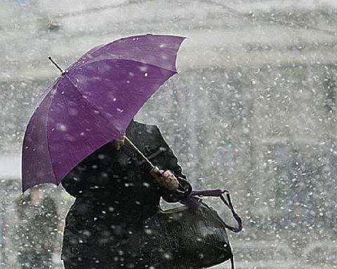Непогода обесточила более сотни населенных пунктов Украины