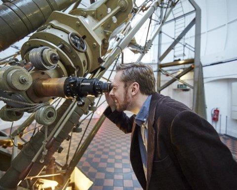 астроном, зірки, телескоп, космос