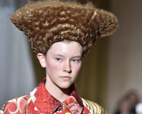 На показе мод в Париже модели копировали прическу российского политика (фото)