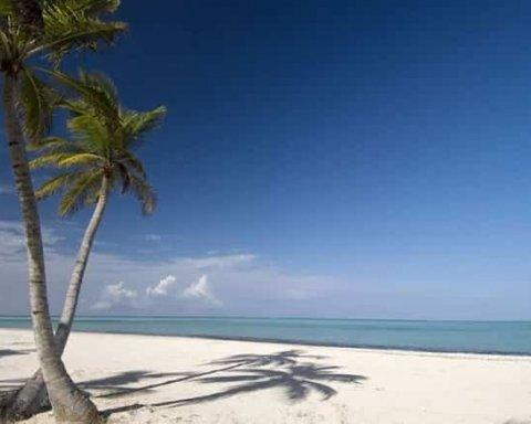 ТОП-10 найгарніших пляжів світу (фото)