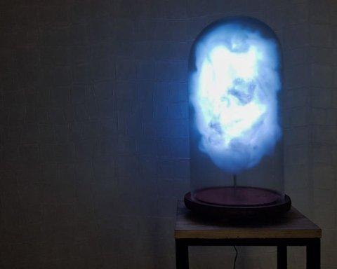 У Марселі виготовили лампу, яка реагує на повідомлення Трампа у Twitter (відео)