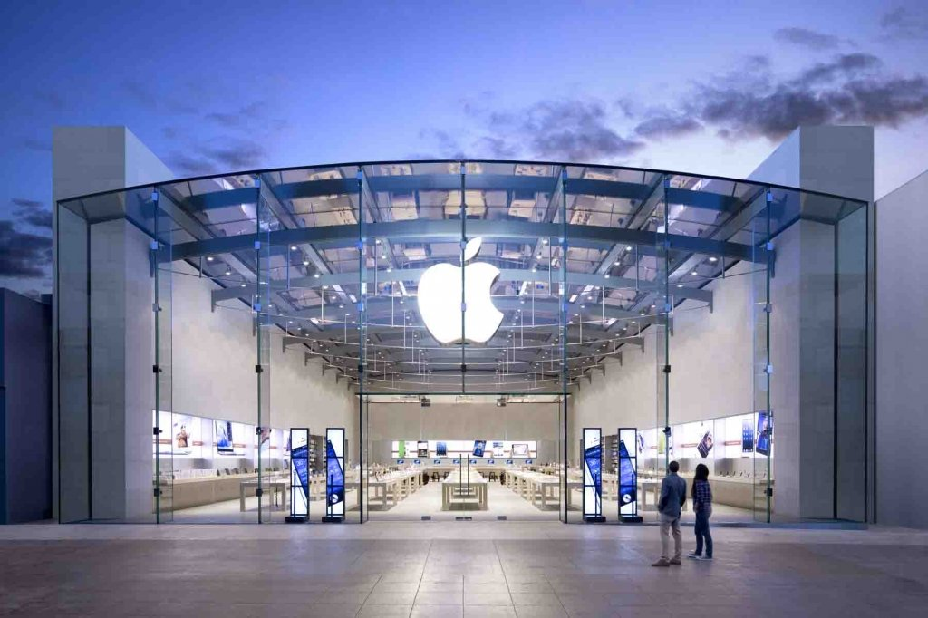 Какое безумное решение Apple приняла 20 лет назад, чтобы обойти Samsung (видео)