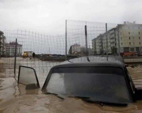 """Як Київ """"пішов під воду"""" після грози (фото)"""