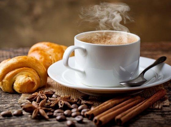 Ранкова кава небезпечна для здоров'я: медики пояснили чому