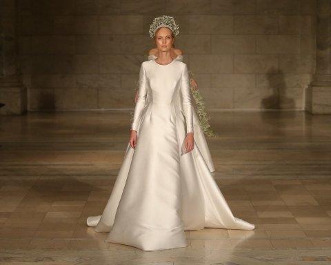 Роскошные свадебные платья на показе Reem Acra (фото)