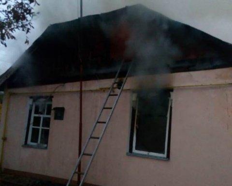 Моторошна смерть у столиці: у пожежі загинула пенсіонерка