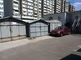 Кияни бунтують проти знесення гаражів: збираються ночувати у автівках