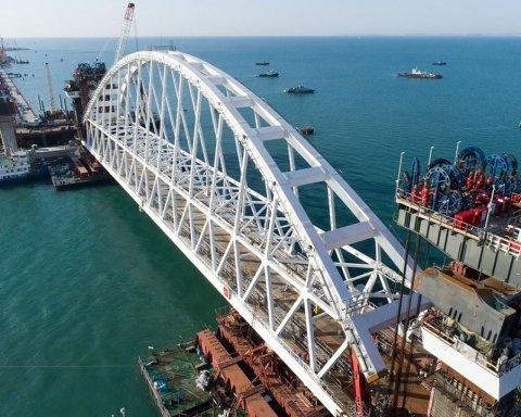 Обвалиться зовсім: Кримському мосту передрекли швидку катастрофу