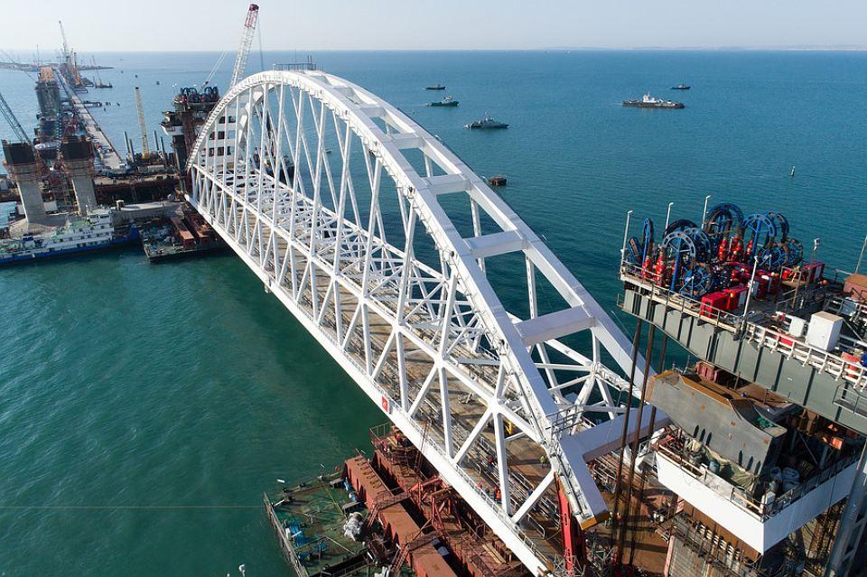 «Керченский мост рухнет»: россиянам назвали причины исроки разрушения моста вКрым