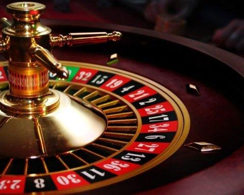 """Луценко виступив за легалізацію казино, але """"під наглядом"""""""