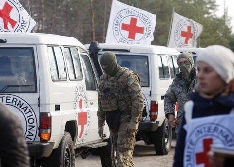 Красный Крест доставил на Донбасс 11 грузовиков с продуктами