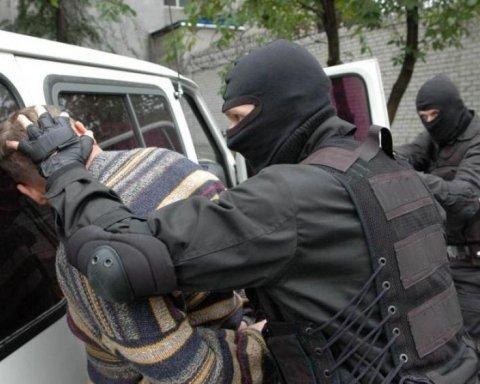 Банду коллекторов-вымогателей обезвредили в Киевской области