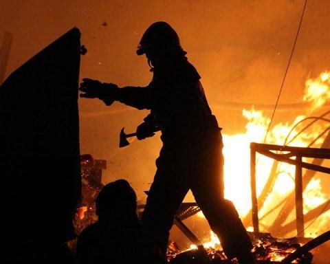 Обгоріле тіло знайшли у центрі Києва