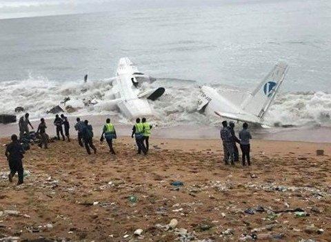 Український вантажний літак розбився біля берегів Африки (фото)