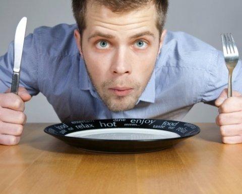 Почему постоянно хочется есть: медики объяснили