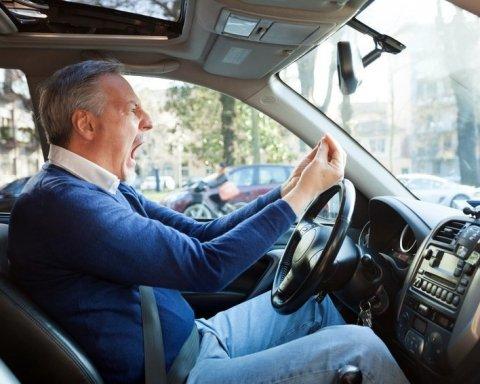 За нарушение правил у водителей-новичков права заберут навсегда