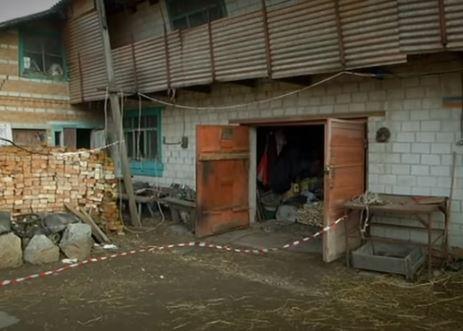 Дідусь на Київщині тижнями тримав труп жертви у гаражі (відео)