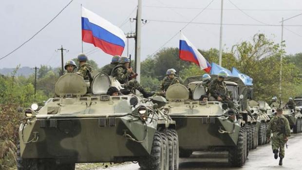 Турчинов объявил , что РФ  хочет ввести войска наДонбасс ввиде  миротворцев