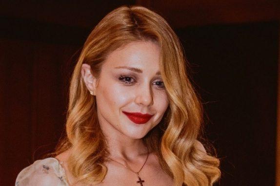 Тина Кароль презентовала фотокнигу