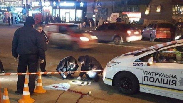 ВКиеве наостановке застрелился мужчина